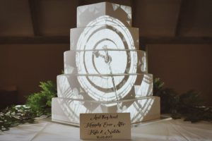 fairytale-clock-wedding-cake-mapping-projection.jpg